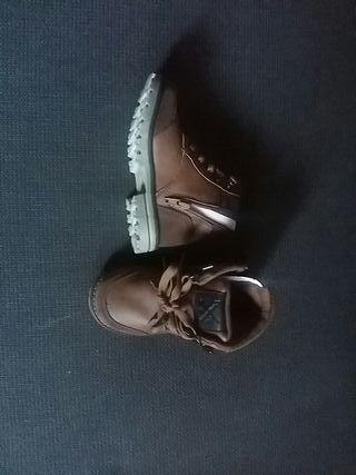 botas de piel talla 25 nuevas sin estrenar