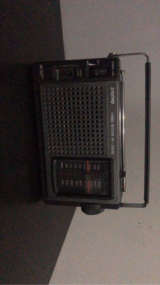 Radio antigua sanyo