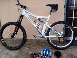 fantastica btt doble suspension,bicicleta montaña