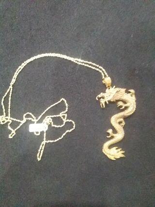 Dragon plata chapado con cadena