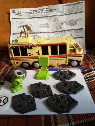 autobús laboratorio alienígena