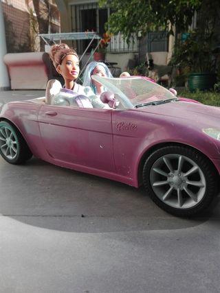 coche de Barbie + muñecas