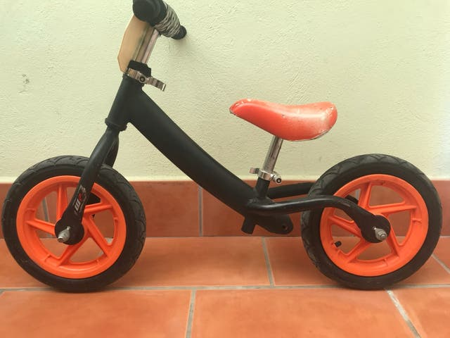 Bicicleta sin pedales KTM