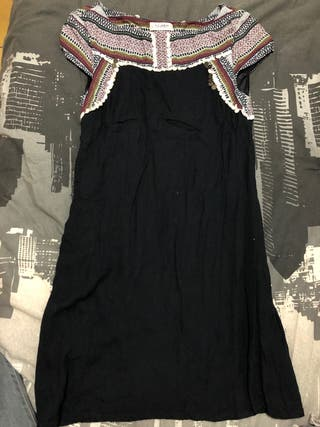 Vestido pull and bear negro/etnico