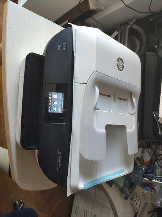 Impresora Multifunción HP Office jet 5744