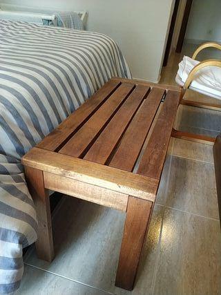 mesa pequeña.