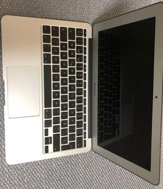 """MacBook air 11"""" 2012 COMO NUEVO"""