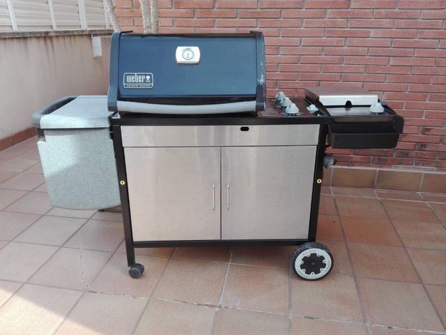 Barbacoa WEBER. ubicada en Calafell Tarragona