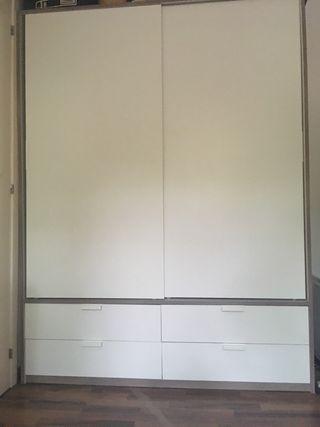 Armario blanco puertas correderas