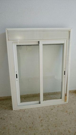 Vendo 3 ventanas correderas de aluminio blanco.