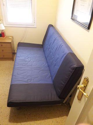 Un sofa cama