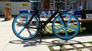 Fixie bike hecha a capricho.