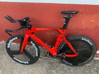Bicicleta triatlon BH Aerolight