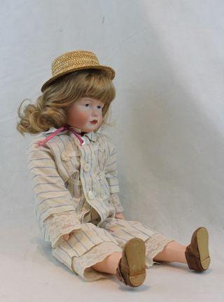 Muñeca de porcelana,réplica moderna.