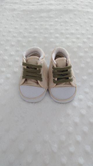 Zapatillas cordones bebé 0-3 meses