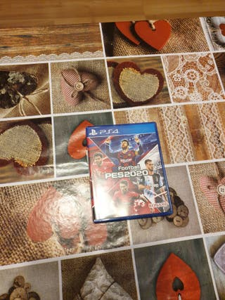 PS4 SLIM 500GB BLANCO DOS MANDO + VIDEOJUEGO