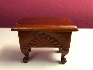 Mueble costurero miniatura
