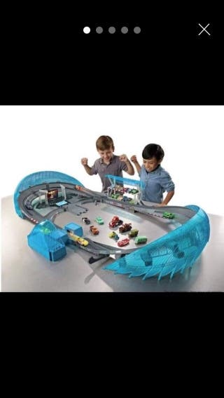 Cars 3 speedway track