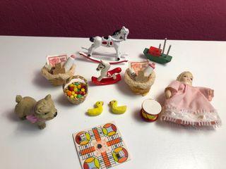 Lote juguetes y bebés miniatura