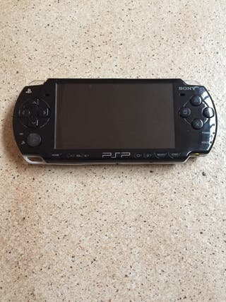 PSP 2004 para piezas...sin bateria y sin cargador