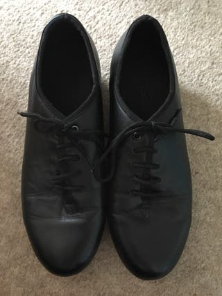 Roch valley tap shoes