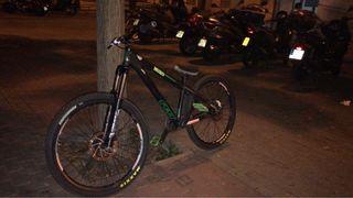 Bicicleta de Dirt Felt