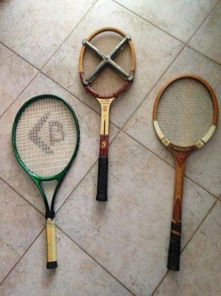 Raqueta tenis vintage de madera y boomerang