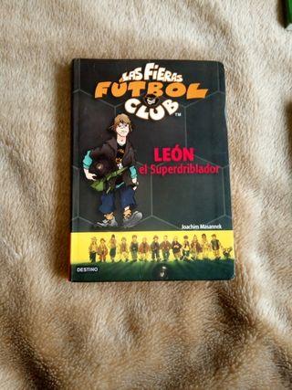 dos libros de la colección las fieras fútbol club