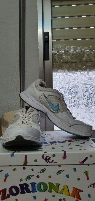 Zapatillas NIKE ORIGINALES sport.