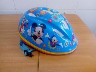 Casco de bicicleta Mickey Mouse.