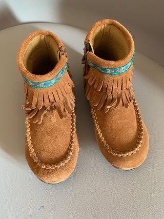 Botas flecos marrones