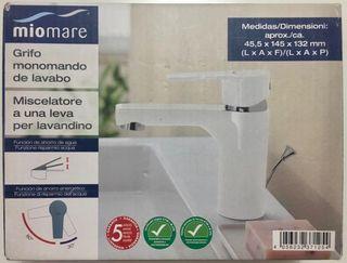 Grifo monomando de lavabo blanco