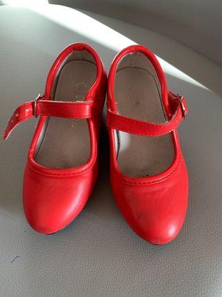 Tacones de gitana rojo