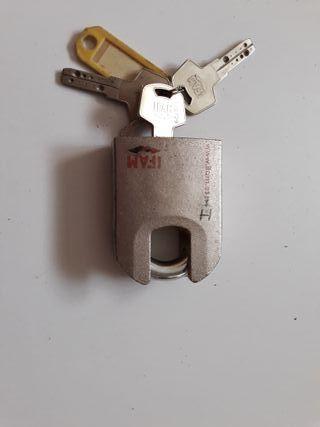 Candado de alta seguridad, marca IFAM con 3 llaves