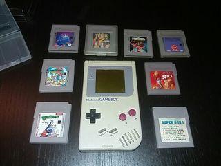 Game boy clásica y 8 juegos