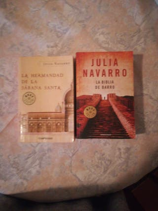 2 libros de Julia Navarro