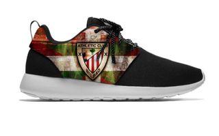 Zapatillas deportivas personificadas