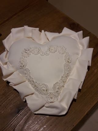 cojin anillos boda