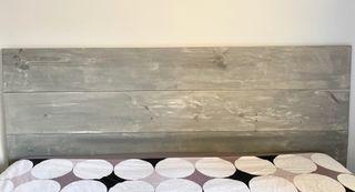 Cabecero de madera hecho a mano