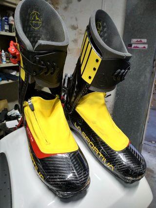 se venden botas esquí de montaña competición