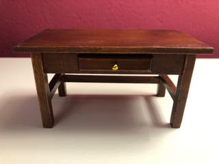 Mesa auxiliar miniatura