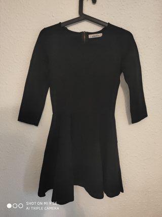 Vestido negro de Pull&Bear