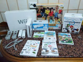se vende Nintendo Wii con accesorios y juegos