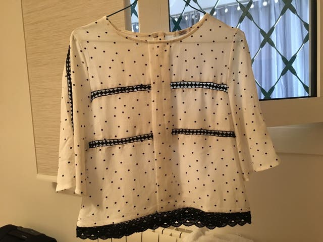 Camisa blanca y azul TS