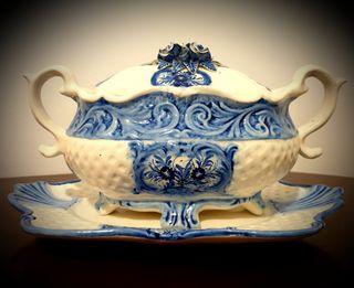 Sopera de cerámica de Muel.