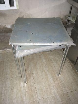 Mesa de aluminio de terraza nueva sin estrenar