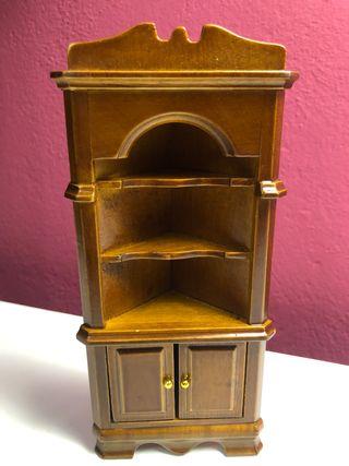 Mueble esquinero miniatura