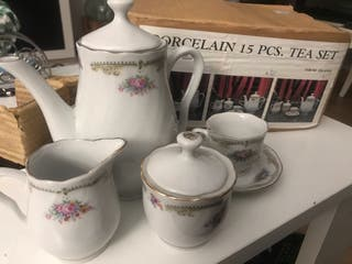 Juego de té de porcelana nuevo