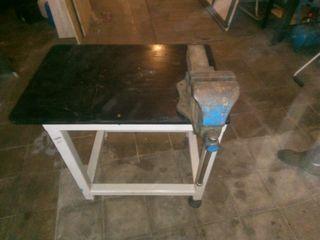 banco mesa de trabajo muy pesado,con gran tornillo