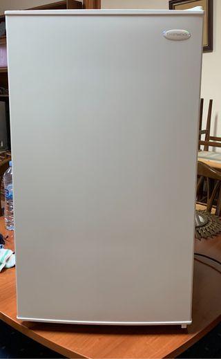 Mini frigorífico Daewoo A++ Nuevo - Mini Bar